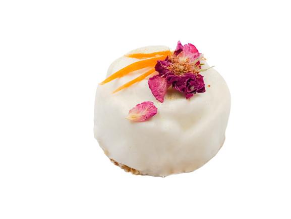 RawNuts Carrot cake